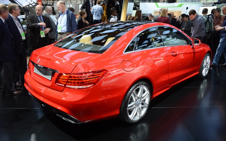 2014-Mercedes-Benz-E-Class-Coupe-rear-three-quarters